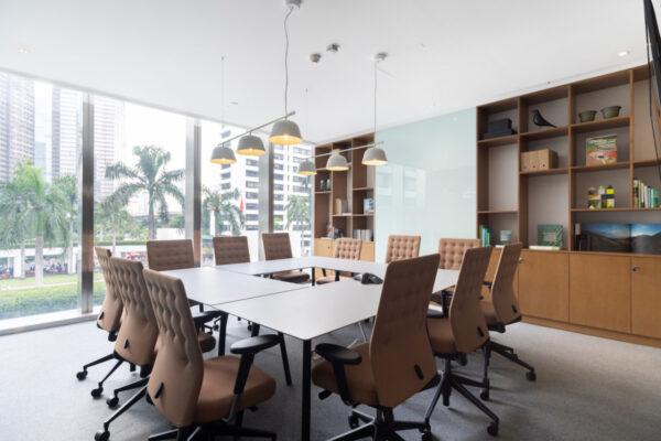 Regus_Spaces WTC3_Saman Meeting Room