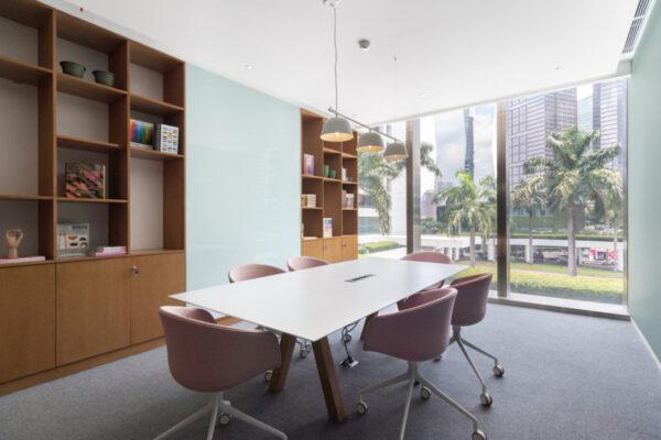 Regus_Spaces WTC3_Tor-Tor Meeting Room-11